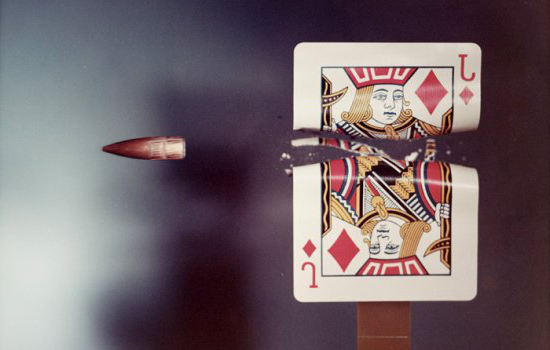 Jack of Diamonds playing card hit by a .30 calibre bullet, 1970, Dr Harold (Eugene) Edgerton, © Massachusetts Institute of Technology, 现金赌钱游戏app